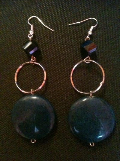orecchini lunghi in pietra blu