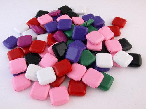 20 perle in plastica, rombo piatto, 25mm, mix.
