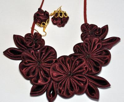 Collana e orecchini kanzashi
