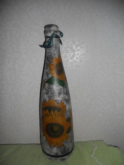 Bottiglia in vetro decorata a decoupage