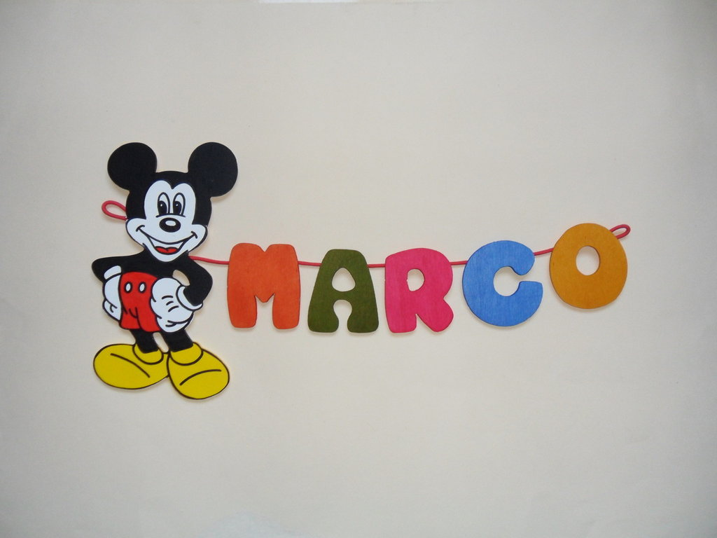 Cameretta Disney Topolino: Letto per bambini a forma di ferrari ...