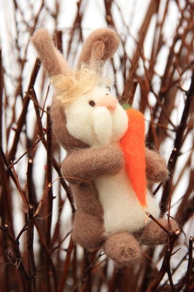 Coniglio pasquale in lana cardata
