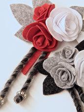 Spilla in panno - rose rossa e bianca