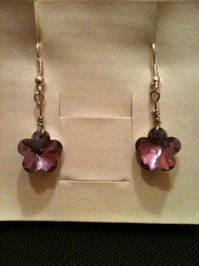 orecchini corti con fiore lilla