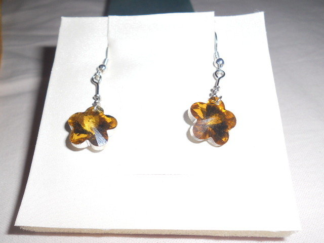orecchini corti con fiore oro