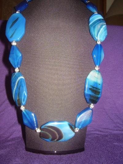 Collana in agata brasiliana blu