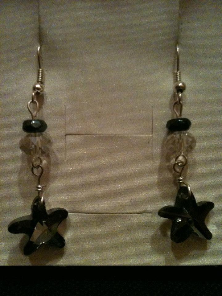 orecchini lunghi con stellina nera