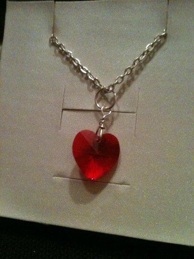 Collana con cuore rosso