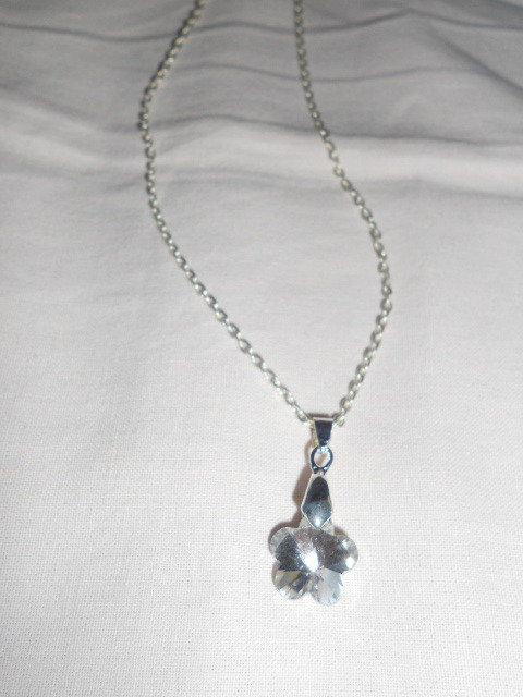 Collana con fiore argento