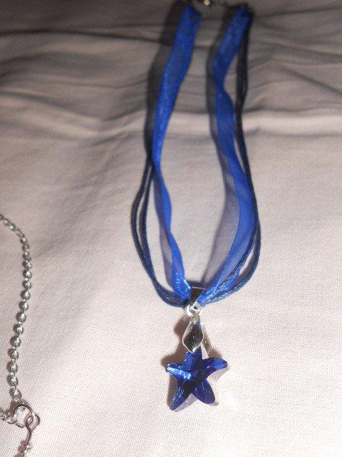 Collana con stellina blu