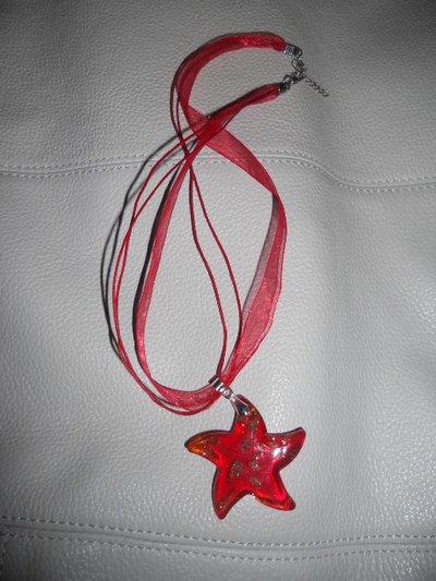 Collana con stella murano rossa