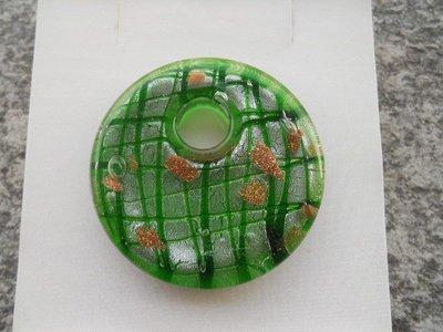 donut in vetro di murano verde