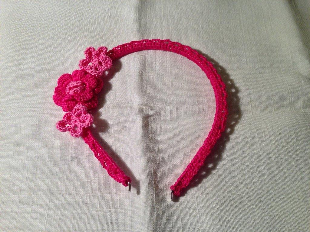 Cerchietto per capelli con fiori accessori moda bambina fatto a mano all'uncinetto in cotone di vari colori