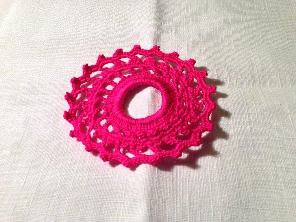 Legacoda elastico per capelli accessori moda (mod. 2) fatto a mano all'uncinetto in cotone di vari colori