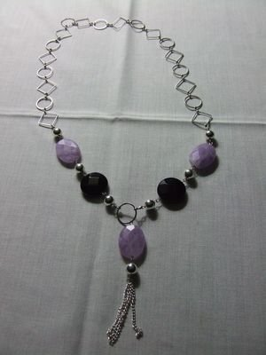 Collana in metallo rodiato con pietre in quarzo rosa e onice nera - cod. A20