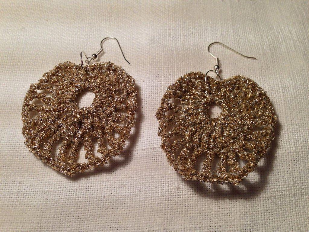 Orecchini cuore love grande fatti a mano all'uncinetto in cotone di vari colori moda (gioielli / bijoux)