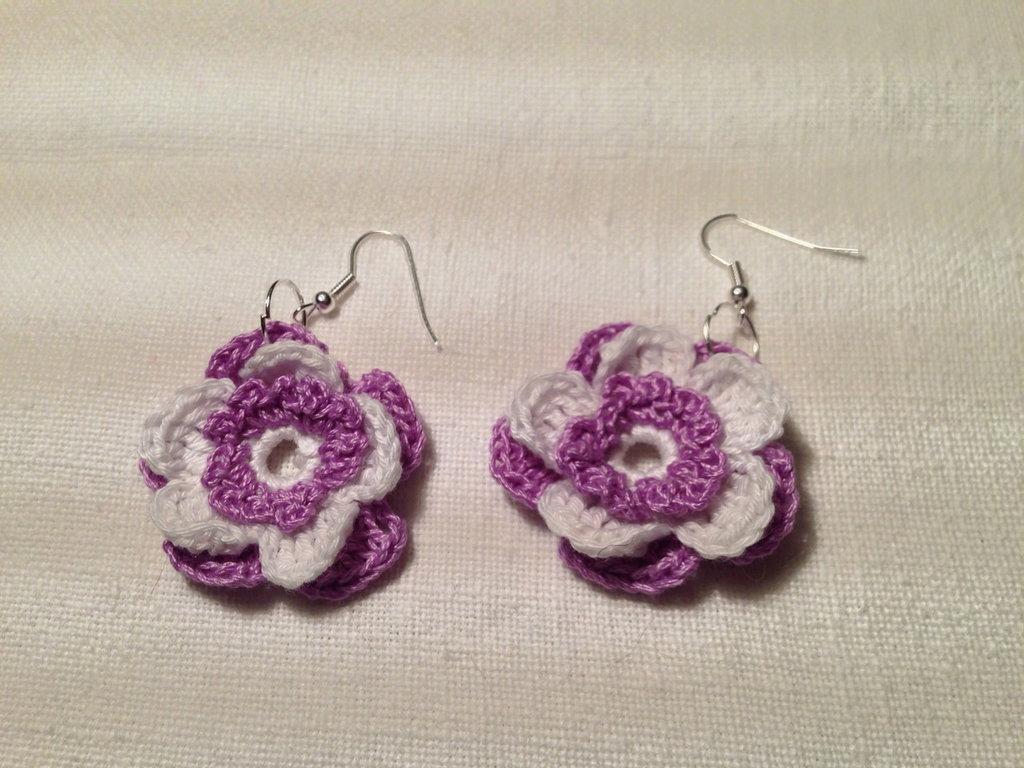 Orecchini fiori fiorellini flowers 3 strati e 2 tonalità (mod. 1) fatti a mano all'uncinetto in cotone di vari colori moda (gioielli / bijoux)