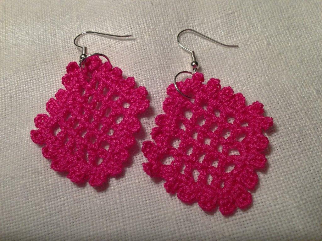 Orecchini rombi fatti a mano all'uncinetto in cotone di vari colori moda (gioielli / bijoux)