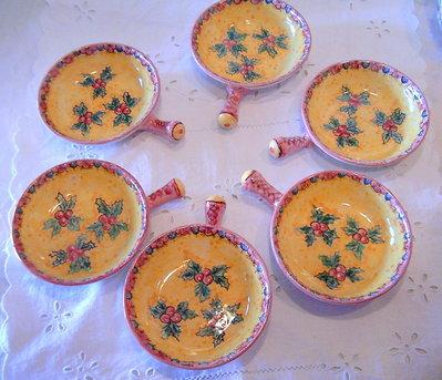"""Servizio da tavola - Tegamini/antipastiera..Ceramica.Realizzati interamente a mano.Decoro """"Agrifoglio"""""""