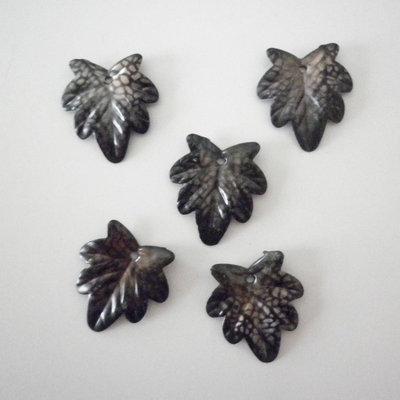 Foglie marroni charms 5 pezzi