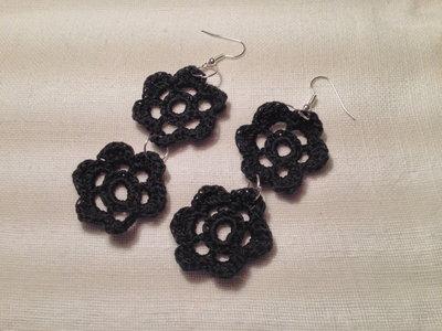 Orecchini fiori flowers doppi 2 pendenti fatti a mano all'uncinetto in cotone di vari colori moda (gioielli / bijoux)