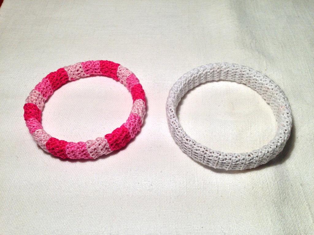 Bracciale braccialetto rigido fatto a mano all'uncinetto in cotone di vari colori moda (gioielli / bijoux)