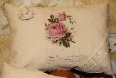 Cuscino in tela tessuta vintage