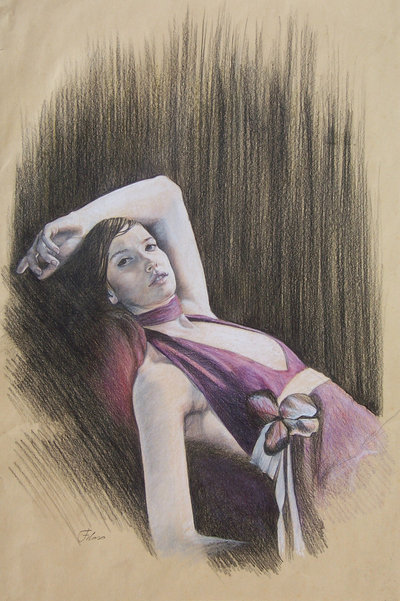 Donna con fiocco viola