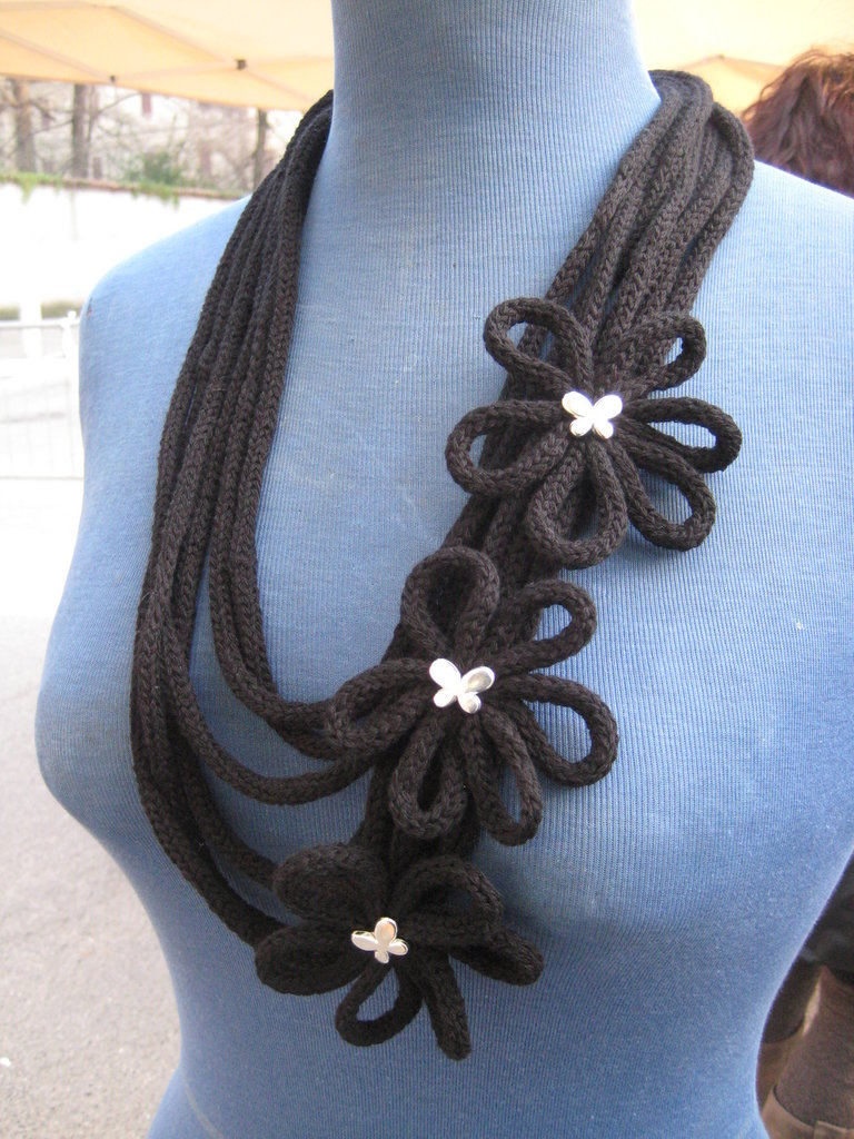 Collana nera tricottino -- Black necklace