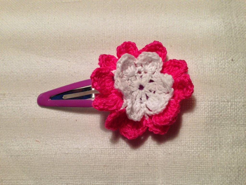 Mollette mollettine forcine per capelli bambina con decorazioni fatte a mano all'uncinetto in cotone (fiore mod. 1)