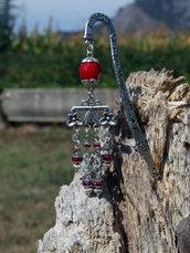 Segnalibro con perle rosse
