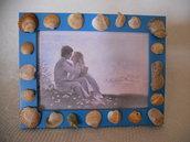 Cornice decorata con conchiglie