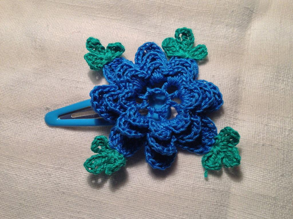 Mollette mollettine forcine per capelli bambina con decorazioni fatte a mano all'uncinetto in cotone (fiore mod. 8)