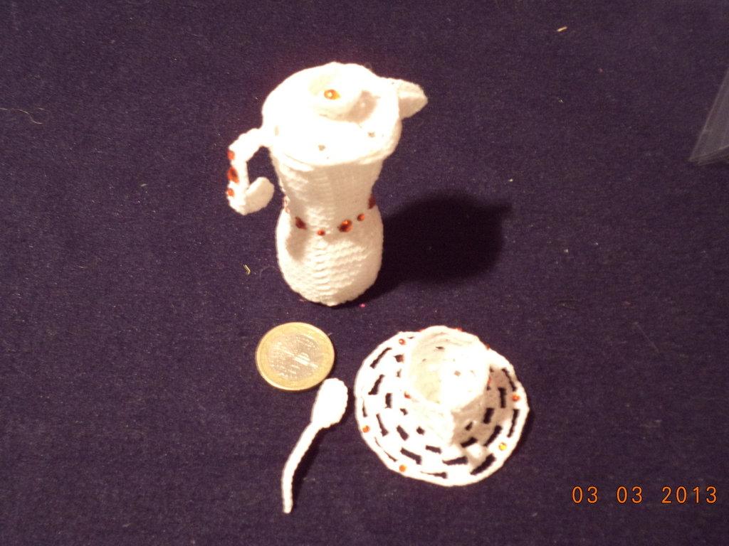 CAFFETTIERA IN MINIATURA CON TAZZINA
