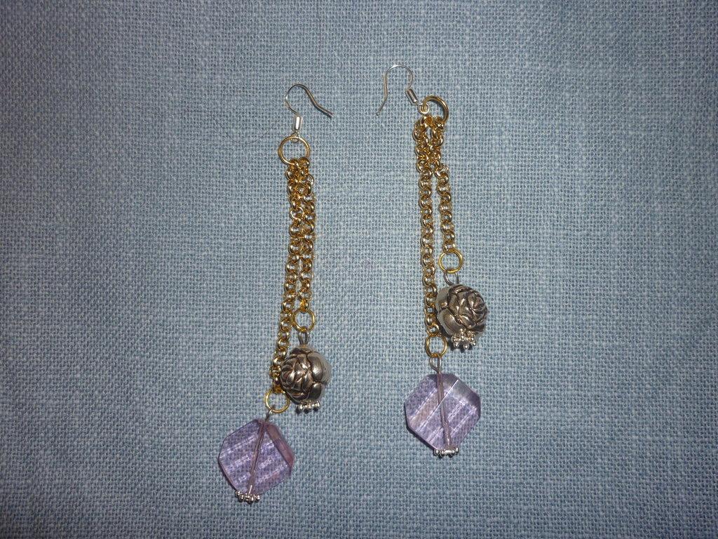 Orecchini pendenti contrasto oro e argento con rosa e perle a rombi