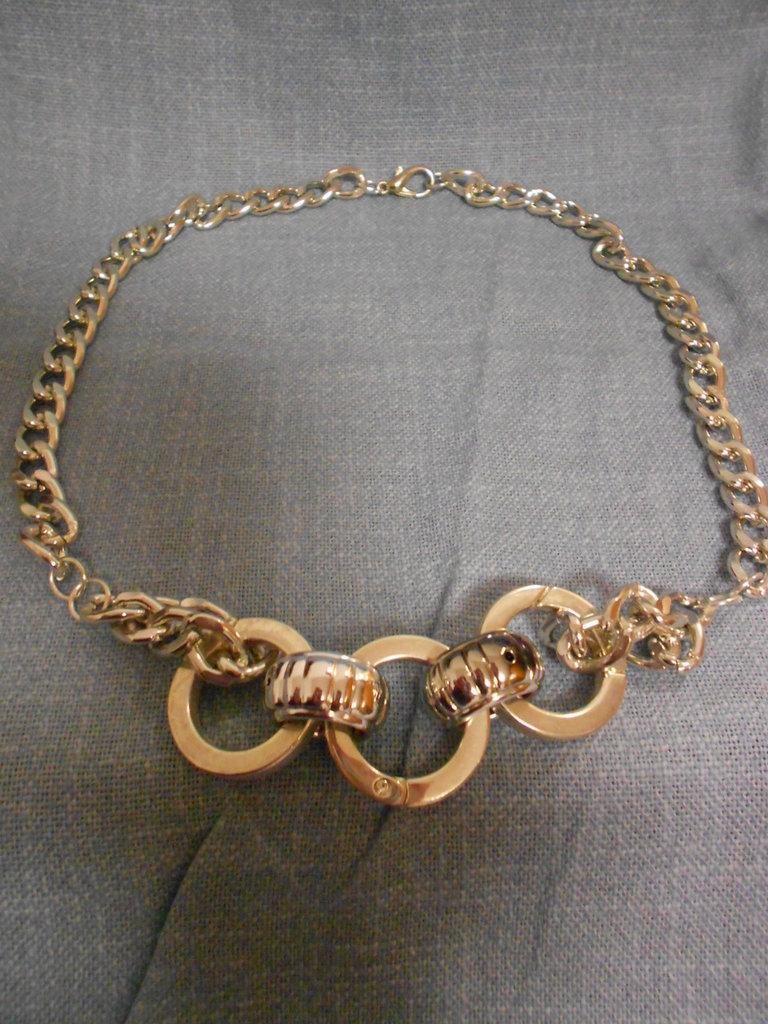 Collana metallo argentata con anelli