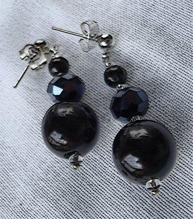 Orecchini eleganti neri