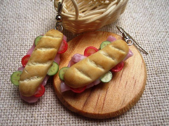 miniatures to wear - Anello con sandwich in pasta sintetica