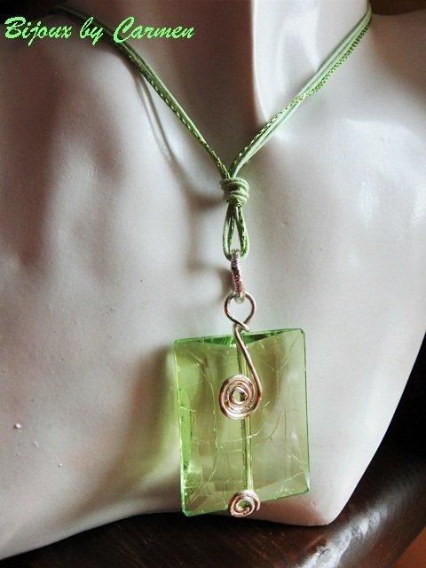 medaglione verde acqua