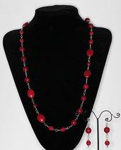 Parure composta da collana ed orecchini in agata striata rossa