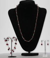 Parure composta da collana, bracciale con charms ed orecchini in agata tormalina
