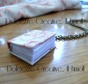 ๑۩۞۩๑ Book Lover๑۩۞۩๑ Libro con copertina in stoffa con ricamo floreale!