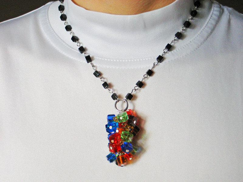 Collana fatta a mano con perline in vetro