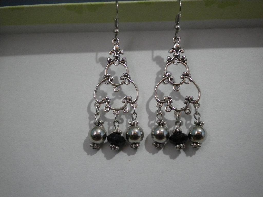 Orecchini chandelier perle