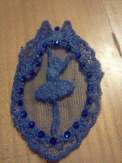 Orecchini di pizzo ballerina blu