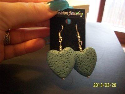 orecchini a cuore in pietra lavica
