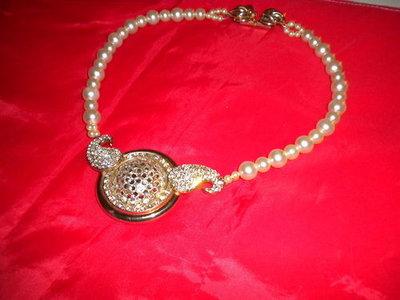 Girocollo donna in perle con medaglione in strass