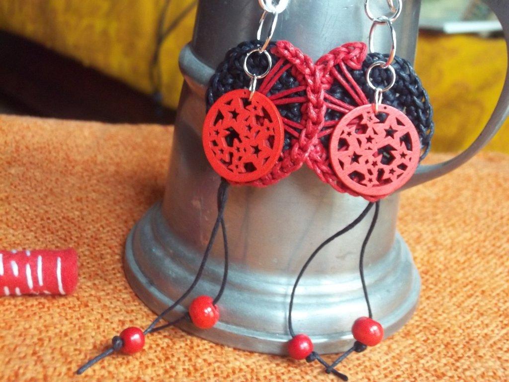 orecchini in cotone cerato all'uncinetto