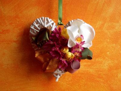 cuori in vimini floreali