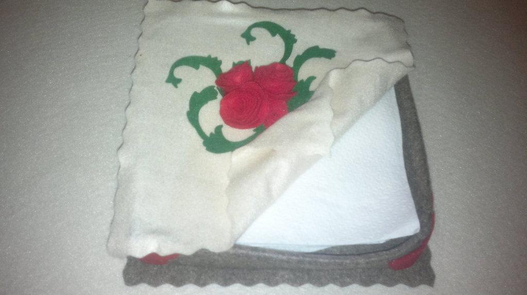 portatovaglioli con rose
